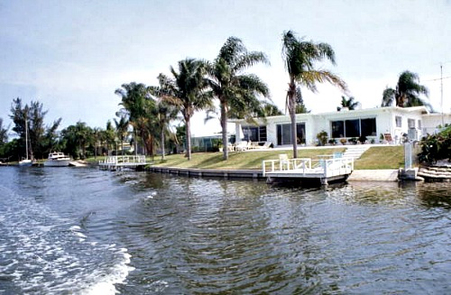 Florida Keys Vacation Rentals Can have docks and other amenities