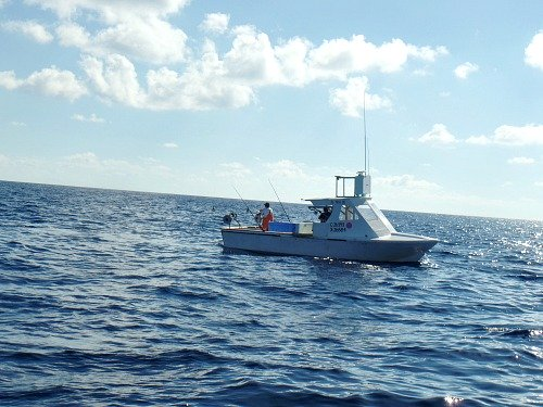 Commercial fishermen on the Marathon Hump fishing for amberjack