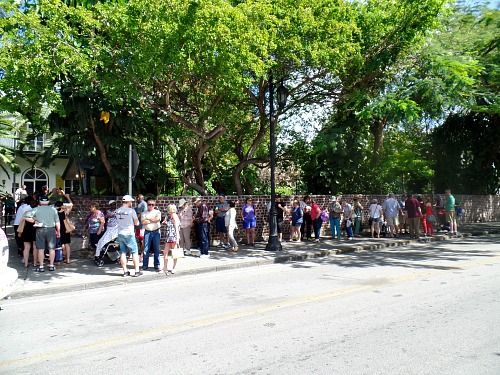 Long Line Up At Entrance to Ernest Hemingway Home