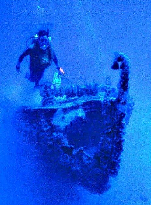 The Aquanaut is a good intermediate dive spot